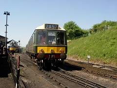 51363 ROPLEY 230504 (David Beardmore) Tags: br railcar britishrail gwr britishrailways dmu midhantsrailway dieselmultipleunit networksoutheast mhr gloucestershirewarwickshirerailway 51363 class117 dmbs l721 drivingmotorbrakesecond