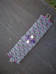 Macram Bracelet with Aa Seeds (Macrame Dolls) Tags: grenoble seeds bracelet sementes pulseira macrame aa