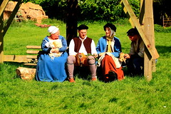 Tudor Life at Kentwell Hall 1539, May 2011, Suffolk, England (Niko S90) Tags: costumes longmelford england history canon suffolk tudor historical recreation reenactment array kentwellhall 16thcentury livinghistory historicalreenactment 2011 kentwell tudors 1539 historiccostumes tudorrecreation tudortimes historicalreenactments tudorreenactment tudorlife tudorliferecreation tudorcostumes tudorhistory lifeintudortimes tudorlifeatkentwellhall kentwell2011