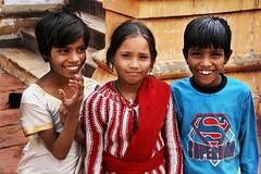 IMG_1764 (marco baschieri) Tags: friends people india portraits three bambini tres tre amici ritratti baschieri indianportraits indianchildrens