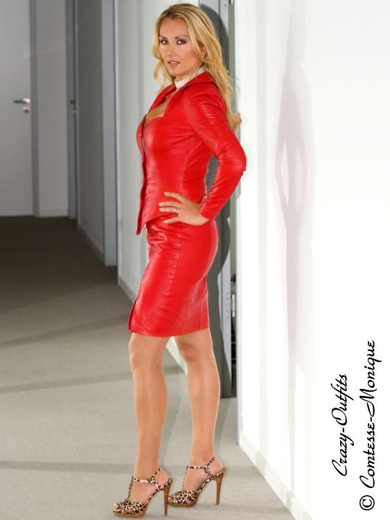escort girl website mature blonde