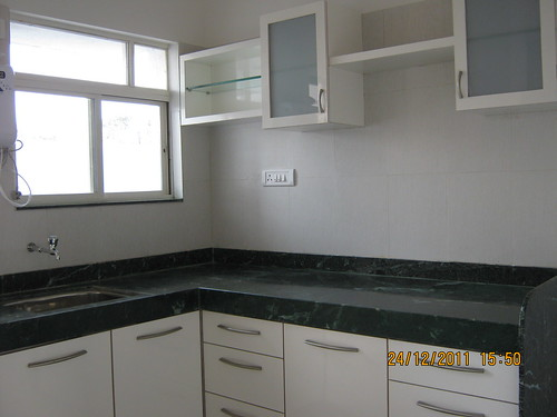 L Shape Marble Kitchen Platform With Stainless Steel Sink In 1 Bhk