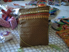 bolsinha indiana 2 (iza-vidya artesanato) Tags: reciclagem decoupage caixotes