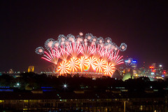 Happy New Year 2012 pt2 (Dylan Farrow) Tags: new eve fireworks sydney newyearseve years harbourbridge 2012 pixelpost flickrpost 60d