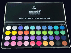40 Eyeshadow Pallete by Forever52 makeup set 02