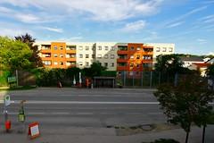 Pasching (austrianpsycho) Tags: building gebäude haltestelle häuser pasching strase pluscity b139