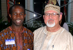Reporter meets reporter (Barefoot In Florida) Tags: somalia africanwardrobe