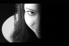 L'oeil qui rit [Explore][FrontPage] (Bruno French Riviera) Tags: portrait studio jessica portraiture canonef35mmf2 strobiste canoneos550d brunofrenchriviera