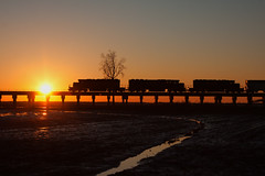 Good night from Rahm (Train Chaser) Tags: csx sd402 rahm csxhendersonsub hlcx7915 csxg576