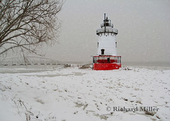20-Snow Storm From the Shore (Blackarrow3) Tags: lighthouses hudsonriver sleepyhollowlighthouse tarrytownlighthouse newyorklighthouses hudsonriverlighthouses 1883lighthouse