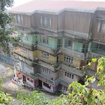 "Darjeeling Building <a style=""margin-left:10px; font-size:0.8em;"" href=""http://www.flickr.com/photos/14315427@N00/6829316443/"" target=""_blank"">@flickr</a>"