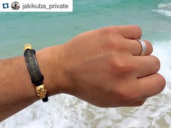 I always love seeing my bracelets in the wild and this one is on vacation in Miami!! Thanks @jakikuba_private for the pic  #jenniferrayjewelry #jrj #jrjcarbon #miami #beach #ocean #jrjcustomerpic #goldskull #carbonfiber #carbonfibre #merica #wri (JenniferRay.com) Tags: ray jennifer jewelry carbon custom fiber exclusive paracord jrj instagram
