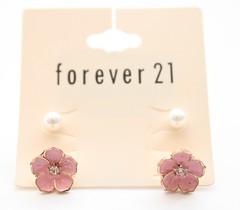 Brinco de flor - Forever 21 (Galeria do Vou Comprar) Tags: 21 flor bijoux forever fofo brinco vou comprar prola forever21 brinquinho foreverxxi voucomprar