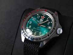 Vostok Komandirskie (Plamen Velev) Tags: closeup mechanical watch case division russian 341 parachute paratroops  handwinding  plamenvelev vostokkomandirskie