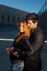 Abrazame Ana y David color (PUAROT) Tags: color luz azul photography foto gente pareja retrato flash d70s personas sonrisa fotografia abrazo cto fotografía iluminación 3518 puarot revolutionlight