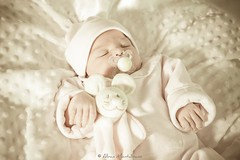 Ornella, 3 jours (Montalbano photographie) Tags: baby canon nice birth newborn 06 naissance alban nouveaun montalbano 5dmarkii alban06