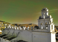 La Merced, (Sucre) (Runa59) Tags: city houses sky texture church architecture bells canon lights shadows perfil colonial bolivia center hills patas tones runa sucre chuquisaca barroco lamerced cpulas espadaa mygearandme blinkagain