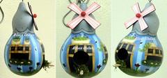 casinha listra azul (BILUCA ATELIER) Tags: gourds bees ladybugs cabaas pinturacountry porongos homebirds biluca casinhasdepassarinho