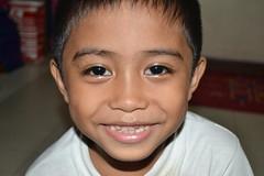 smile (faNiLooNg) Tags: nikon shot 3100 loong fani tausug