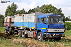 t - IVECO  190/f/26 (marvin 345) Tags: old italy classic truck vintage italia voiture historic camion oldtimer trucks iveco emiliaromagna vecchio epoca storico vecchia godo autocarro vecchie storiche iveco190 worldtruck