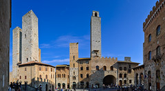 Piazza del Duomo (Jos Garrido) Tags: italy panorama tower italia torre sienna tuscany ita siena sangimignano toscana panormica piazzadelduomo josegarrido 6x1vertical