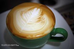 我的拉花 歪了.... (nodie26) Tags: art cup water coffee hearts leaf cafe heart tea drink espresso latte 咖啡 素材 心 下午茶 拿鐵 葉子 愛心 拉花 義式咖啡 素材庫