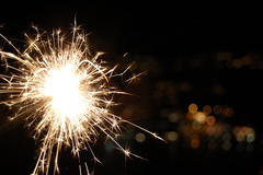 -:¦:- New Year sparkles -:¦:- (Ranveig Marie Photography) Tags: bokeh odda hordaland hardanger heart newyear celebrating outside dark stjerneskudd fireworks light sparkles skandinavia scandinavia norge norway norwegen celebration town city bokehballs sirkulærbokeh bokehsirkler nyttår nyttårsaften gold sparkle sparks sparkler nyttårsafta newyearseve saintsilvestersday sylwester nytårsaften silvester silvestr nochevieja réveillondelasaintsylvestre veillondujourdelan gamlárskvöld oudejaarsavond silvesteravond nottedisansilvestro vésperadeanonovo images pictures photos ranveigmarienesse ranveignesse pics photographs bilder utsikt photography