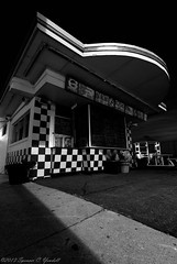 Day 5 of 365 - Closed Burger Stand (Spencerwhy) Tags: minnesota night nikon tokina 365 2012 project365 d80 1116mm