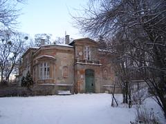 Dwr Zakoniczyn (magro_kr) Tags: winter snow building architecture poland polska palace manor zima gdansk danzig palac nieg gdask architektura dwr budynek paac pomorze dwor snieg pomorskie