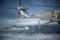 Marines conduct insertion exercises. (Official U.S. Navy Imagery) Tags: unitedstates military navy usnavy arabiansea ussmakinisland lhd8