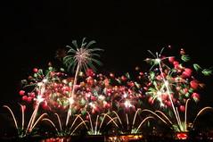 第80回記念土浦全国花火競技大会 80th Tsuchiura All Japan Fireworks Competition (ELCAN KE-7A) Tags: japan pentax fireworks competition 日本 tsuchiura ibaraki 花火 k7 2011 茨城 土浦 ペンタックス 競技大会 スターマイン starmeine