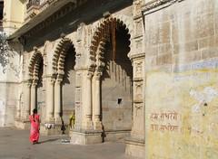 india (gerben more) Tags: woman india gate hindi rajasthan udaipur