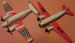 CRAGSTAN WILD WINGS BEECHCRAFT SUPER 18 and DOUGLAS DC-3 (NyamalaTone) Tags: vintage airplane toy collectible flugzeug jouet avion juguete
