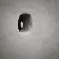 Hole in the Wall (*altglas*) Tags: bw 120 6x6 film monochrome analog zeiss mediumformat square rodinal150 fomapan100 superikonta mittelformat 53316