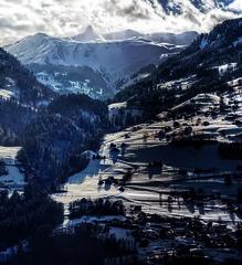 Glarner Verschiebung (Elliott Bignell) Tags: mountain mountains alps berg schweiz switzerland suisse ostschweiz berge alpine fault alpen svizzera rheintal alp piste slopes rhinevalley flums walenstadt verschiebung glarner berschis