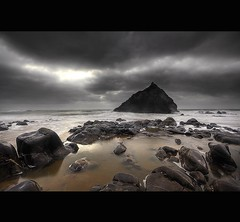 """ FREYA ROCK "" (Wiffsmiff23) Tags: swansea drama epic threecliffsbay thegower"