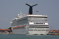 Carnival Freedom (Maillekeule) Tags: cruise carnival freedom cruises liner croisiere paquebot