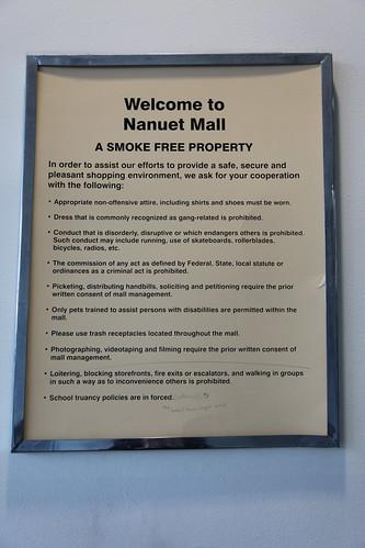 Nanuet Mall rules sign
