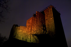 Crookston Castle at Night (Bora Horza) Tags: nightphotography castle abandoned architecture night lights evening darkness fort citadel glasgow ruin medieval illuminated historic nighttime forgotten restored southside lit fortification stronghold fortress castello chteau historicscotland burg castillos maintained renovated crookston  crookstoncastle glasgowsouthside