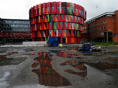 Hela Kuggen (Eva the Weaver) Tags: red abstract building architecture triangles geometry rectangles chalmers sprocket lindholmen oddshapedbuildings thecog gertwingrdh kuggen