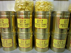 Utz's Chips Gold Canisters (Mod Betty / RetroRoadmap.com) Tags: farmersmarket pennsylvania pa naamansroad boothscorner
