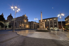 Catania - City drawing room (ciccioetneo) Tags: italy moon lights nikon italia nightshot sigma wideangle luna nighttime sicily luci bluehour baroque 1020mm grandangolo catania sicilia drawingroom barocco notturno cathedralsquare salotto sigma1020mm piazzaduomo santagata orablu stagata baroquestyle domesquare wideangleview d7000 nikond7000 agathae ciccioetneo stagathae