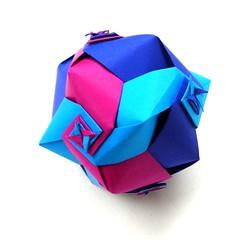 Whirling Ball 2010 by Toshikazu Kawasaki (Aneta_a) Tags: blue spiral origami cube kawasaki origmai modularorigami kusudama toshikazukawasaki octahedralsymmetry