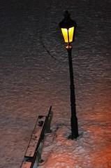 (DPraha) Tags: schnee winter prag tschechien gelb laterne