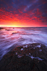 Fiery/Ardiente (been snapping) Tags: ocean winter sea naturaleza seascape beach nature water sunrise canon landscape coast scotland mar seaside fife coastal 7d nd oceano schotland ecosse crail slowwater eastneuk fifecoastalwalk escosia