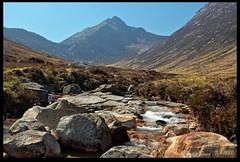 Cir Mhor (zweiblumen) Tags: uk scotland alba isleofarran hdr polariser glensannox cirmhor northayrshire eileanarainn canoneos50d zweiblumen