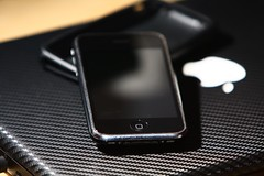 iPhone 3GS 32GB #2 (M. Quick) Tags: black ipod 4 3g headphones carbon fiber 4s 3gs earbuds 8gb iphone macbook 16gb 32gb 64gb