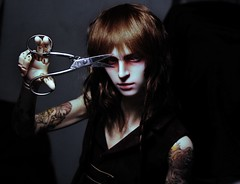 clippity clippity *cut* (illusionwaltz) Tags: doll creepy scissors bjd cosmo dollzone