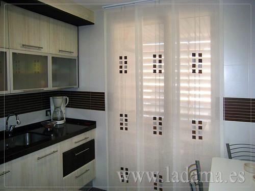 cortinas para cocina visillos y estores con tejidos coloridos y resistentes