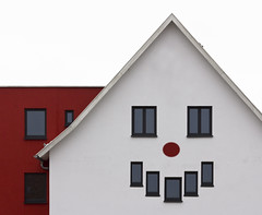 Edit Your Hometown (yushimoto_02 [christian]) Tags: house smile face architecture facade niceshot sonrisa lachen fachada fassade lcheln ravensburg schlier